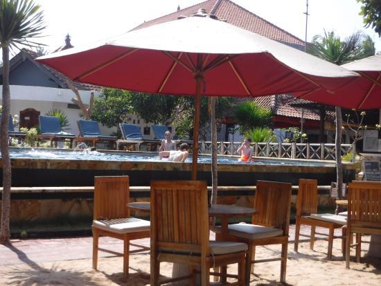 Nusa Indah Bungalows Surfer Beach Cafe Foto