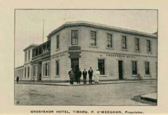 Grosvenor Hotel: Original wooden Grosvenor that got burnt down in fire.  Circa 1875