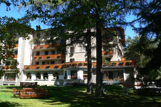 Hotel des Geneys Splendid: Estate: sole,verde e tranquillità