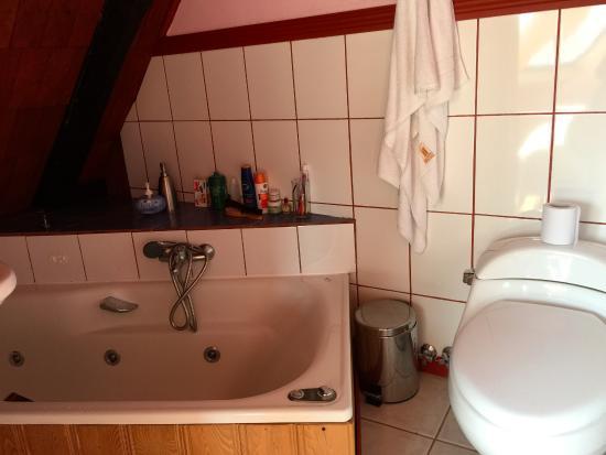 Casa Lan-Antu: Bañera para hidromasage en el baño