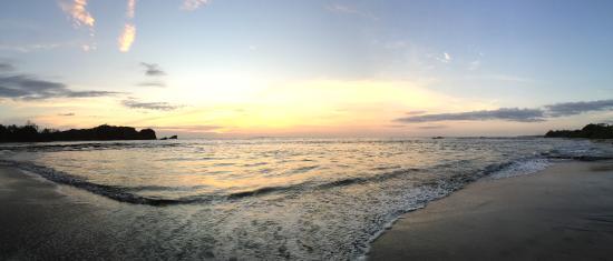 Costa Rica Yoga Spa: Sunset at La Luna Resturant