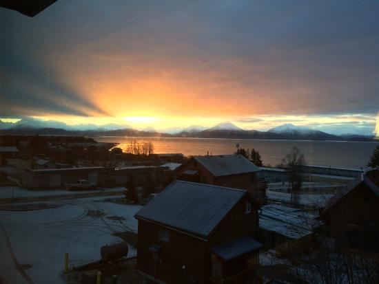 Best Western Bidarka Inn : Sunrise in Homer, AK
