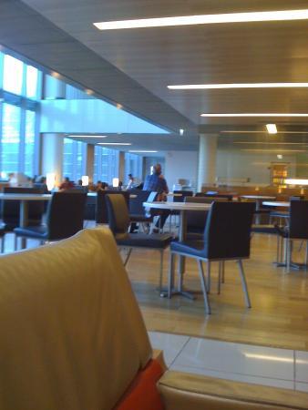CDG Lounge
