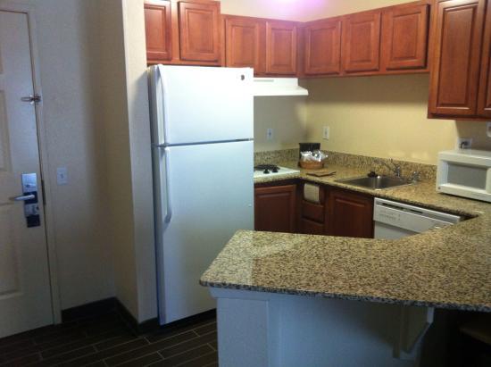 Hampton Inn Denver Tech Center South: Kitchen