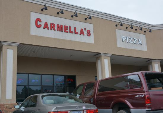 ‪Carmellas Pizza Grill‬