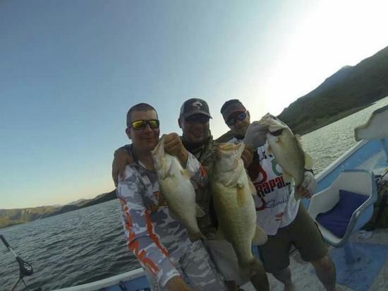 Coras Lodge : Hotel coraslodge lake Aguamilpa  Mexico Bass fishing  www.coraslodgefishing.com