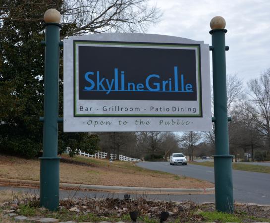 Regent Park Golf Club: Sign at Entrance