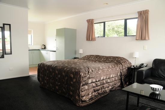 Tudor Lodge Motel : Spacious self contained studio unit