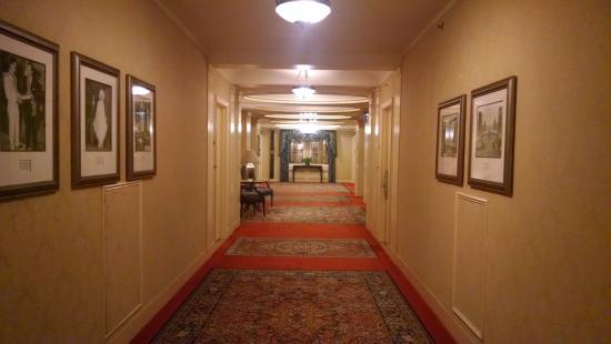 the eighth floor hallway redrum anyone picture of waldorf rh tripadvisor ie