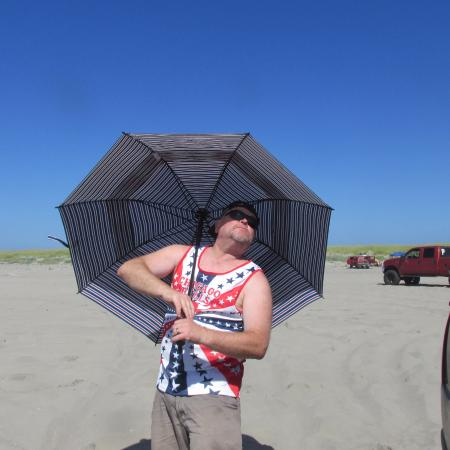Long Beach, WA: if your white bring an umbrella!