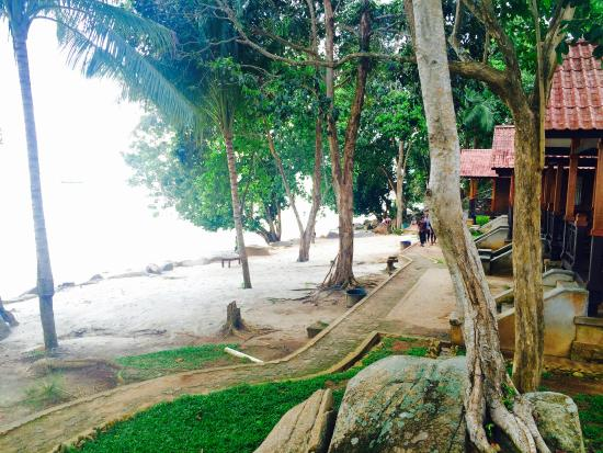 Bukit Berahu Cottage Beach Side Cottages At Resort Tanjung Binga Belitung