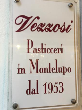 Bar Pasticceria Vezzosi: Insegna