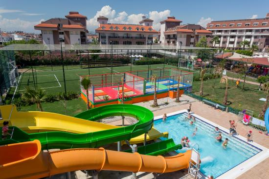 PrimaSol Hane Family Resort: HANE FAMILY WATER SLIDE