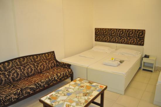 Hotel Kabli: Deluxe Room