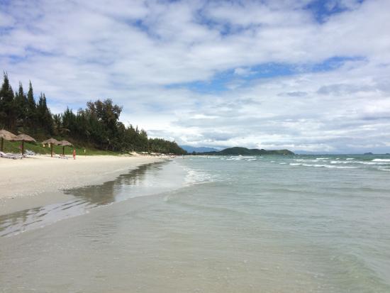 White Sand Doclet Resort & Spa: всё в облаках а море всё равно прозрачное