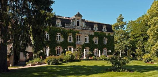 Photo of Chateau de Nantilly