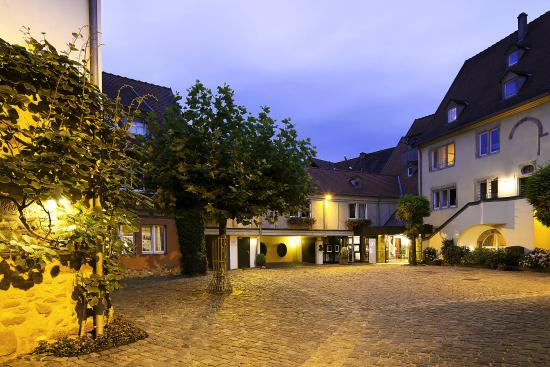 Hotel a la cour d 39 alsace updated 2018 prices reviews for Hotels obernai