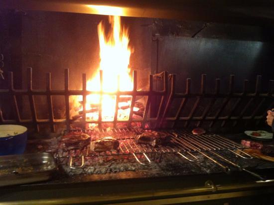 Le Vallon de Gayet: ah ! la cuisson au feu de bois ....