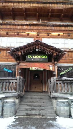 Hotel Garni San Nicolo: Ta Mongo bar - part of hotel but a separate entrance