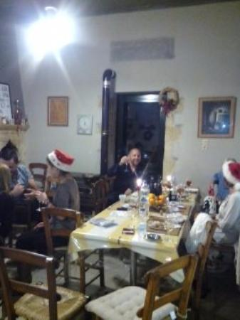Kefalas, Grecia: Christmas Dinner
