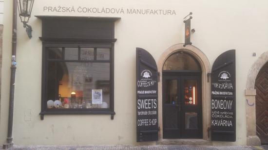 Prazska Cokoladova Manufaktura: Entrance to cafe