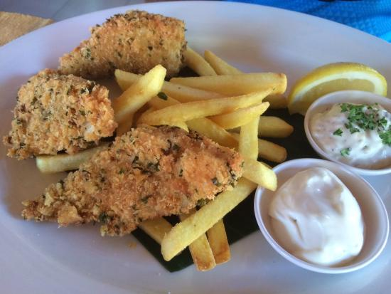Rum Jungle : Great fish and chips, with mayonaise.