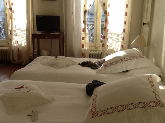 Chambre d'hotes L'Ambroise: Our lovely bedroom