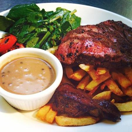 The Easton : Steak and frites
