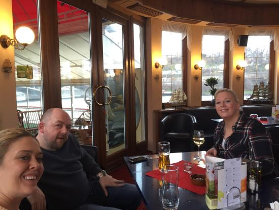 Botel Albatros: Excellent pub , we had a few beers and enjoyed the boat experience