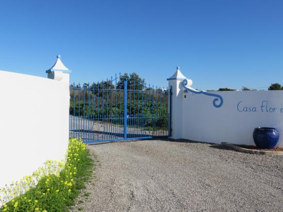 Casa Flor de Sal: Entrance gate