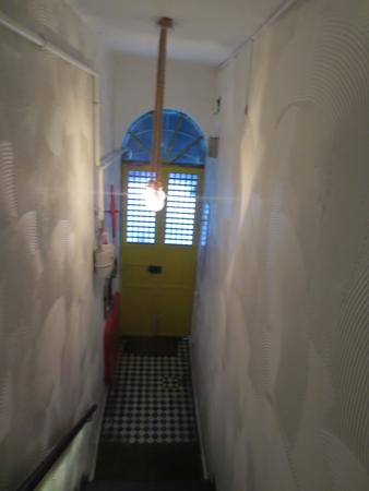 Portus House Istanbul: Exit