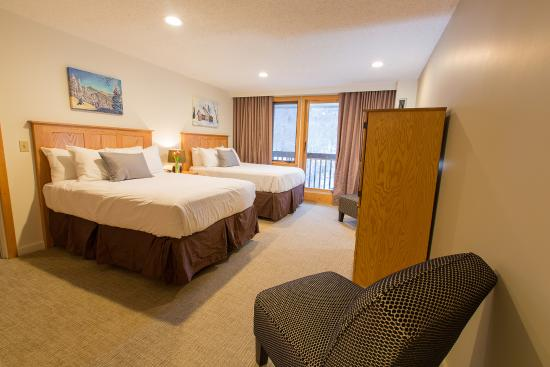 Bolton Valley, VT: Twin beds in one bedroom suite