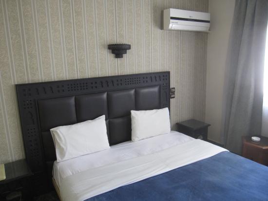 Hotel Akouas Image