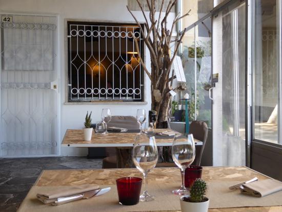 La Salle A Manger Sous Veranda Picture Of Trattoria Del Porto