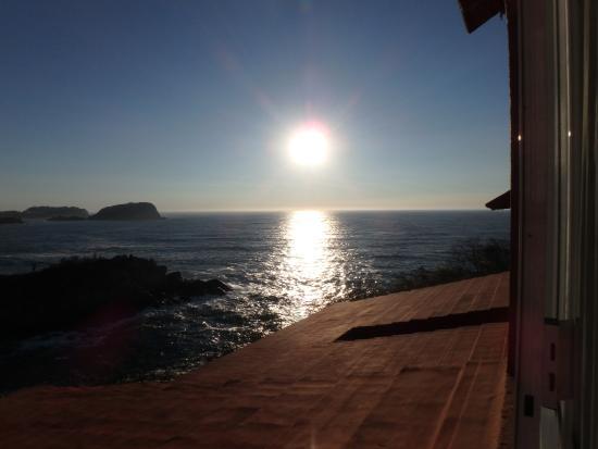 Las Brisas Huatulco: Sunrise from our room.