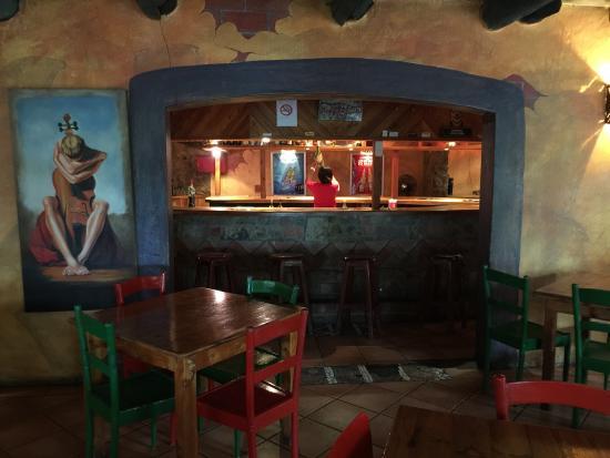 Thokozisa: binnen in het restaurant