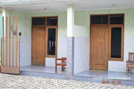 Karanganyar, อินโดนีเซีย: Penginapan di Candi ceto
