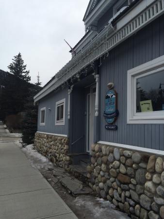 Entrance - Blue Mountain Lodge Photo