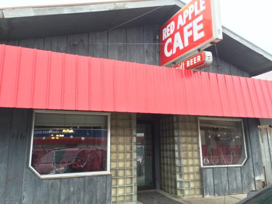 Mahnomen, MN: Red Apple Cafe