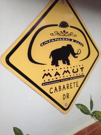 Mamut Empanadas & Cafe