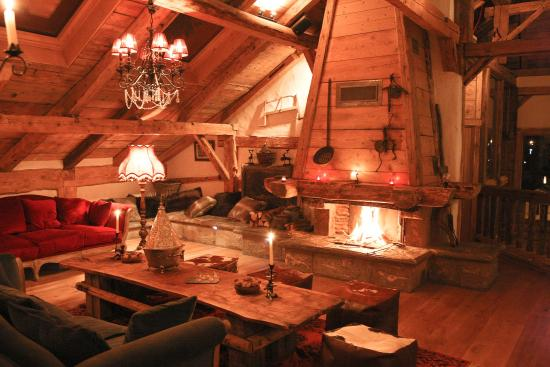 La Ferme du Lac Vert : Our log fire