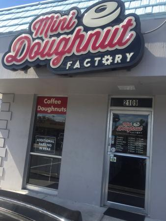 Mini Doughnut Factory