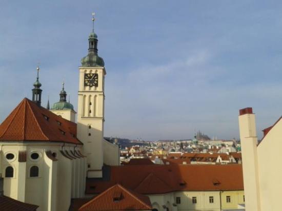 Central Hotel Prague: Questo è quello che vedevamo tutte le mattine dalla nostra camera.