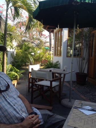 Naef Cafe