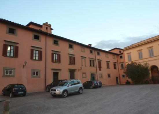 Villa Baciocchi: piazzale di Villa Baciocchi