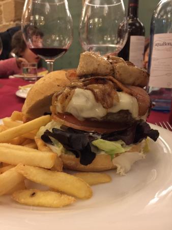 Espectacular la hamburguesa de buey.
