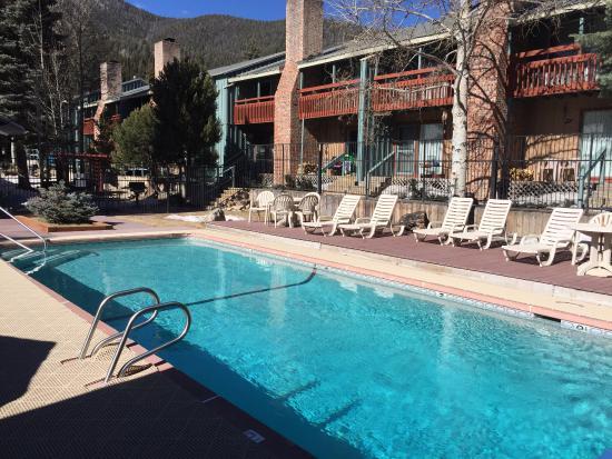Eisenhut Condominiums: Heated, outdoor pool.