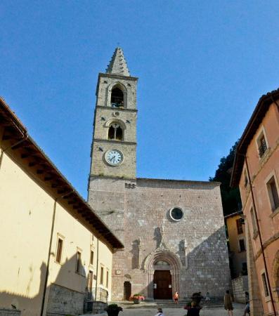 Leonessa, Italy: Chiesa San Pietro