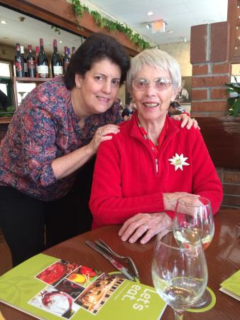 Olive Garden: Birthday Girls - Heidi & Oma