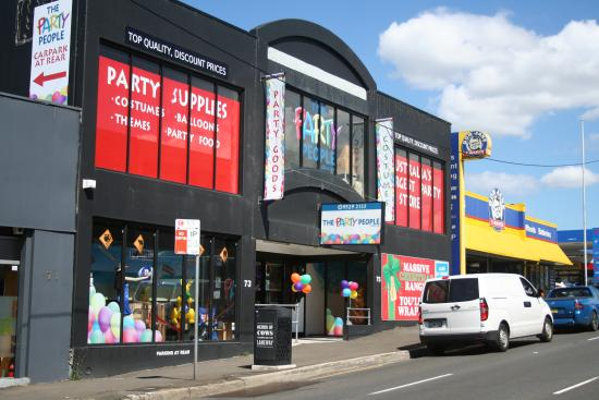 ‪The Party People Megastore‬